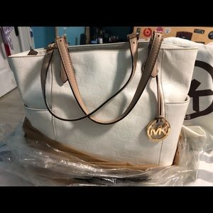 Vince camuto rosegold